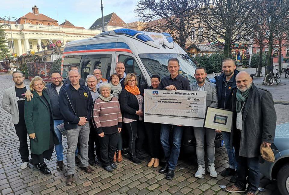 Glücksmaler spendet zugunsten des Wünschewagen MV